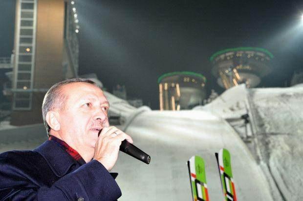 Erzurum Atlama Kuleleri Çöktü , Erzurum Atlama Kuleleri , erzurum heyelan , Kış Spor Oyunları , Kış Spor Oyunları kuleleri çöktü , kuleler çöktü
